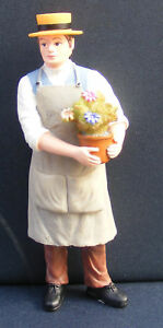 1-12-Scale-Dolls-House-Miniature-Resin-Doll-Gardener