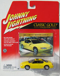 JOHNNY-LIGHTNING-R15-CLASSIC-GOLD-2002-CHEVY-MONTE-CARLO