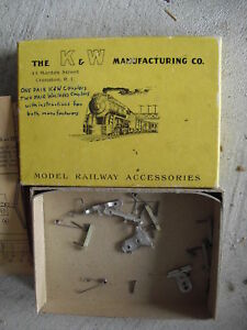Vintage-HO-Couplers-Pair-of-K-amp-W-and-2-Pairs-of-Walthers