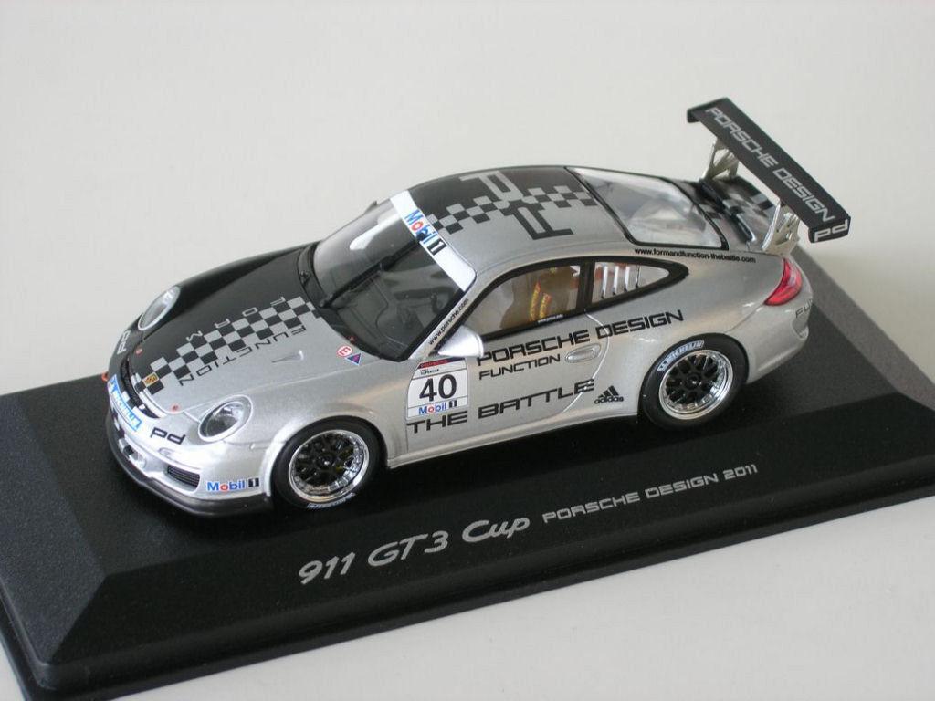 PORSCHE 911 911 PORSCHE 997 gt3 Cup Design Presentation 2011  40 The Battle Minichamps 1 43 c33909