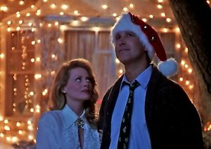 CHEVY-CHASE-CLARK-GRISWOLD-amp-ELLEN-CHRISTMAS-LIGHTS-VACATION-8X10-MOVIE-PHOTO
