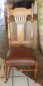 Solid-Quartersawn-Oak-Pierce-Carved-Rocker-Rocking-Chair-brown-leather-R29