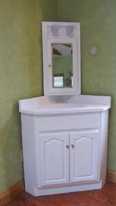 24x24 white corner vanity w marble top medicine cabinet for Corner bathroom cabinets b q