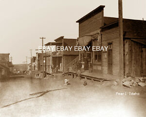 1894-1920S-PHOTO-OF-THE-MINING-TOWN-OF-PEARL-IDAHO-ID-NOW-A-GHOST-TOWN