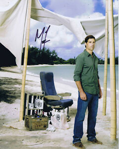 MATTHEW-FOX-Original-Signed-Autograph-10x8-Photo-AFTAL