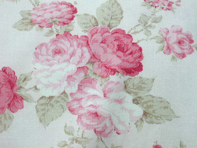 Mary Rose 3 Sprays Pink/ Raspberry RosesPinky/Cream Ground Needlepoint Pattern