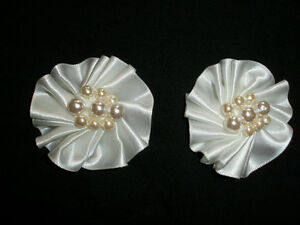 "VINTAGE BRIDAL / EVENING / FORMAL SHOE CLIPS WHITE 2 "" INCH ROUND NICE LQQK"