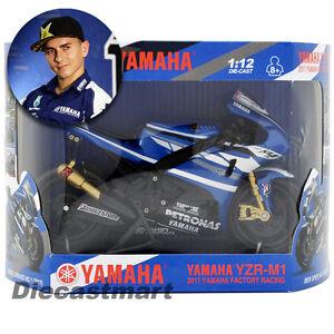 NEWRAY 1:12 MOTOGP 2011 YAMAHA YZR-M1 JORGE LORENZO NEW MOTORCYCLE BLUE #1