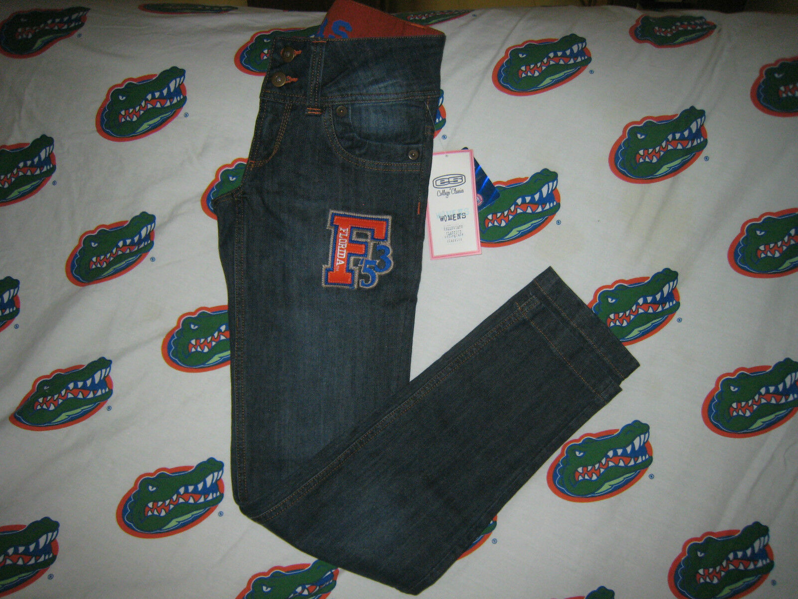 NEW e5 FLORIDA GATORS JEANS SZ 7 GREAT FOR GAMES  MUST HAVE SKINNY JEANS