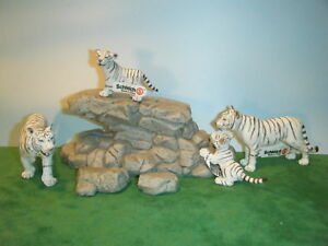 SCHLEICH-WHITE-TIGER-14382-TIGRESS-14383-CUB-14384-CUB-14385-SET-OF-4-NEW