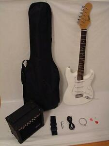 white electric guitar set with strap cord gig bag and 15w amp brand new ebay. Black Bedroom Furniture Sets. Home Design Ideas