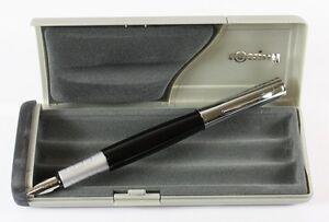 Rotring-Initial-Fountain-Pen-Gloss-Black-amp-Silver-FINE-Nib-NEW