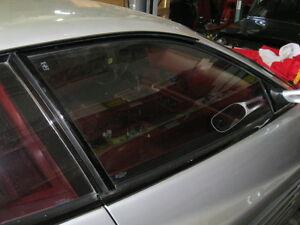 Ferrari-512-TR-Testarossa-RH-Door-Glass-61533700