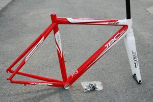 JBC-Breezer-Alloy-Road-Race-Frame-and-Carbon-Fork-56cm-54cm-Red