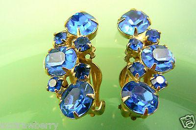 Vintage Fantastic Gold tone metal blue crystal Rhinestones clips earrings $0s