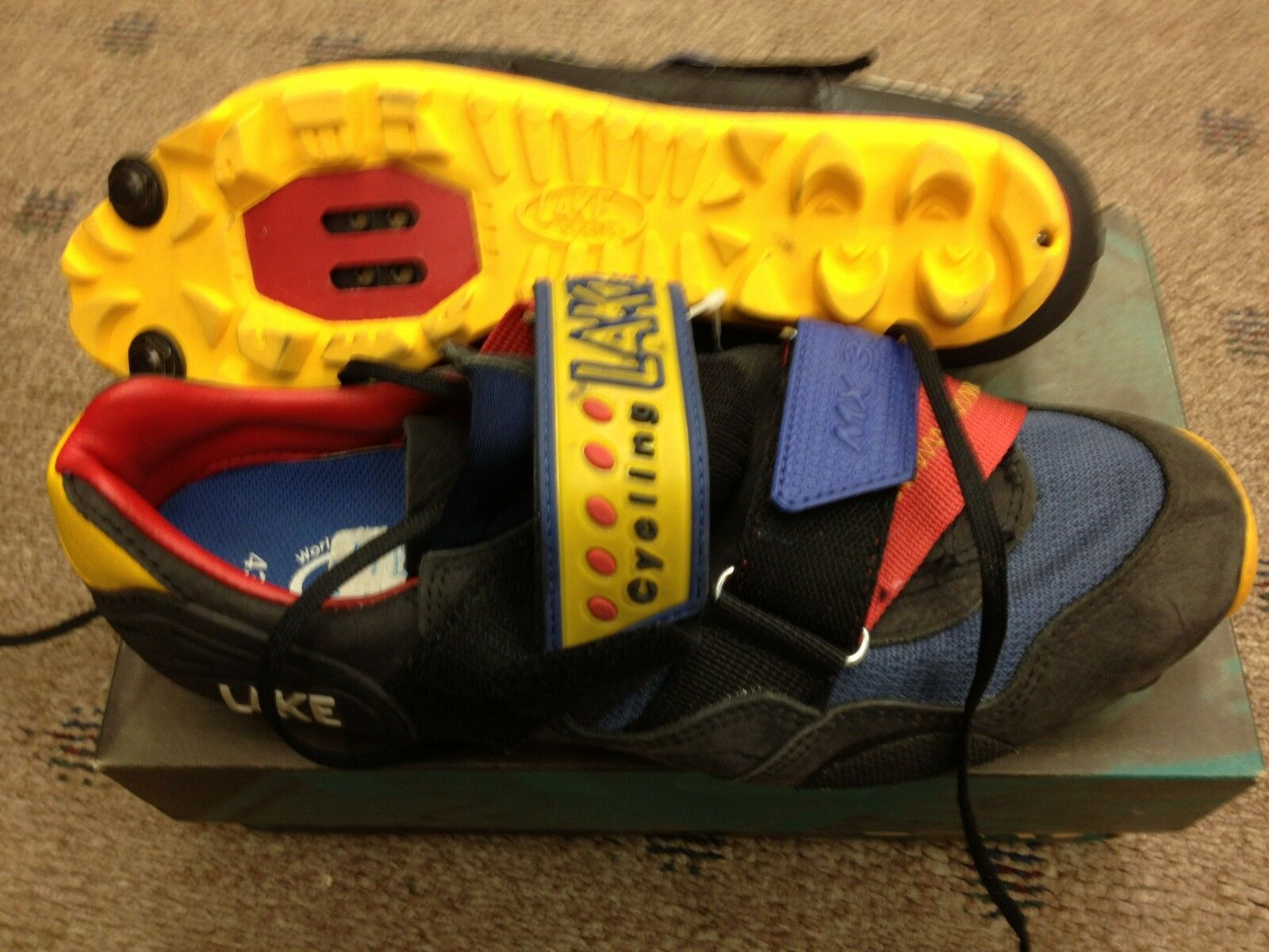 NEW LAKE MX 300 MOUNTAIN SHOES MENS SIZE 43   9 US
