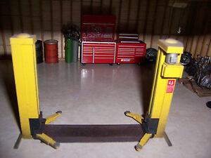 2 Post Lift Kit For Model Car Garage Diorama Shop Tools 1 24