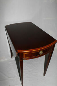 English-Regency-Style-Mahogany-Drop-Leaf-Table-Banded-with-Inlay-Circa-1920s