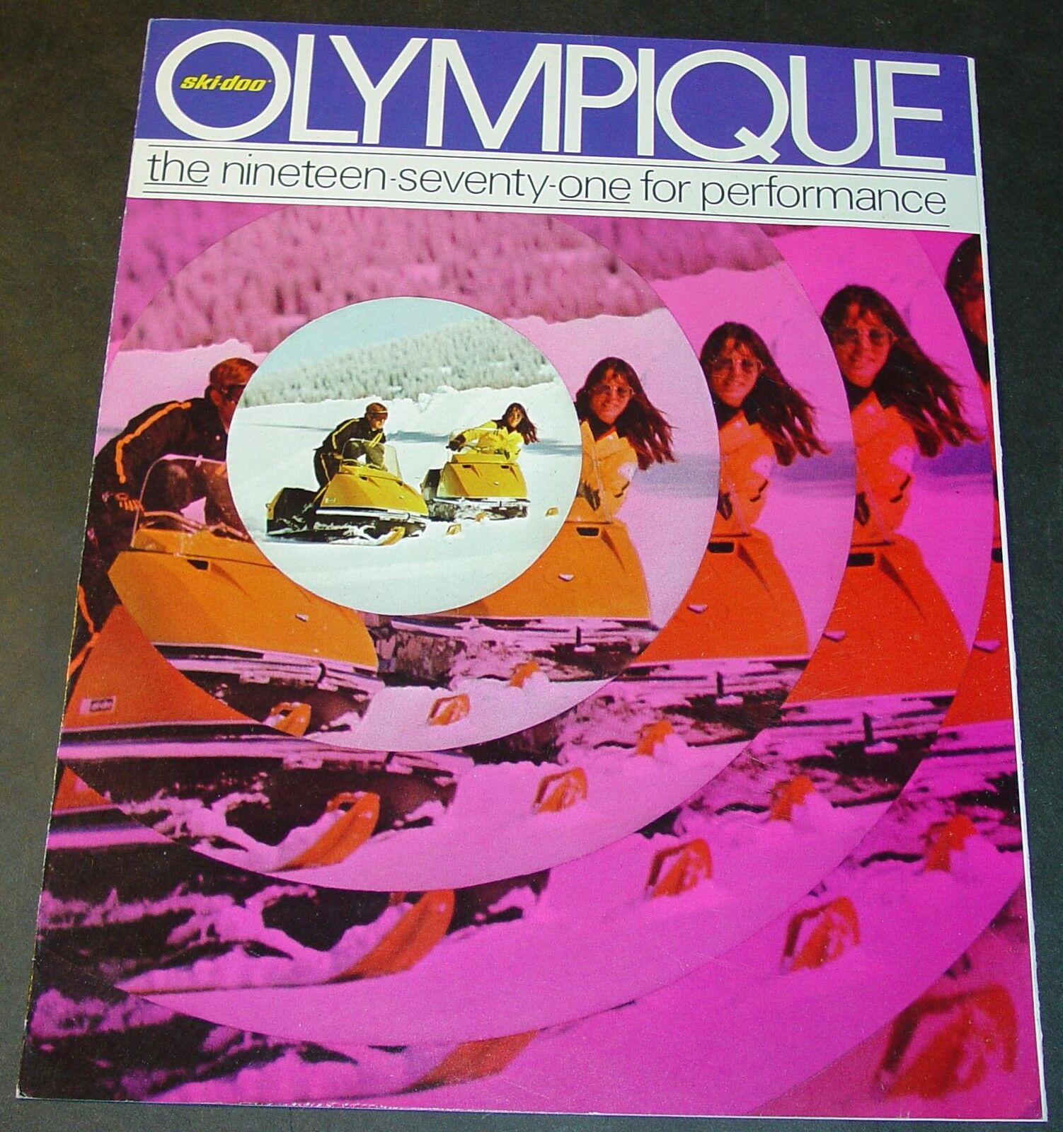 RARE VINTAGE 1971 SKI-DOO  OLYMPIQUE SNOWMOBILE SALES BROCHURE 6 PAGES NICE++  perfect