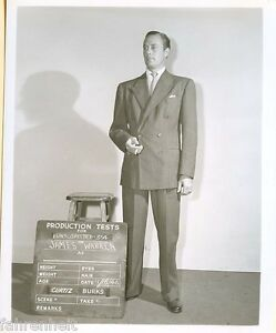 ORIGINAL-B-amp-W-1940-039-S-SCENE-SET-PHOTO-JAMES-WARREN-THE-UNSUSPECTED-MOVIE-4x5-7