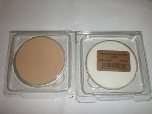 TWO-STILA-SHEER-PRESSED-POWDER-REFILL-EXTRA-LIGHT-31oz-NEW-IN-PLASTIC-PACKAGE