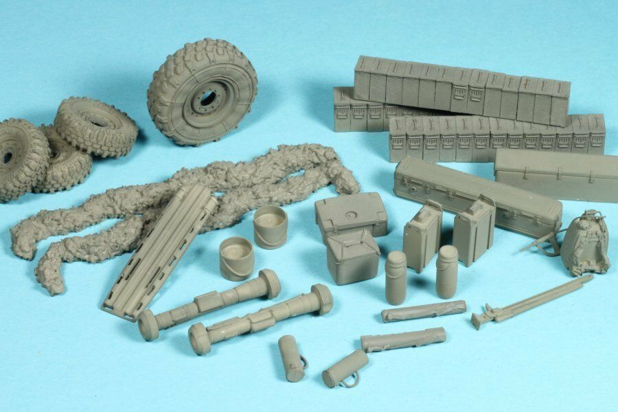 Pro Art Models 1 35 Equipment Set for Special Forces LMTV (WAR PIG)
