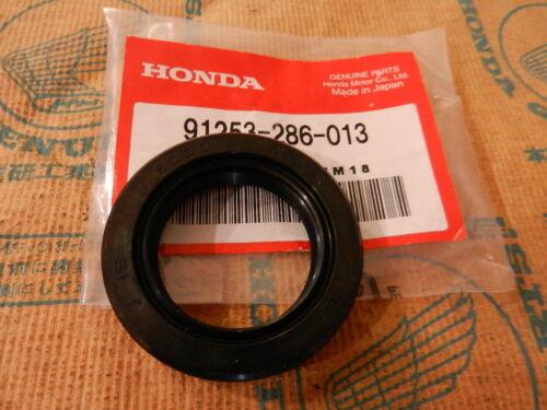 Honda CB 500 T Dichtring Radlager Hinterrad Nabe Dust Seal Bearing rear Wheel