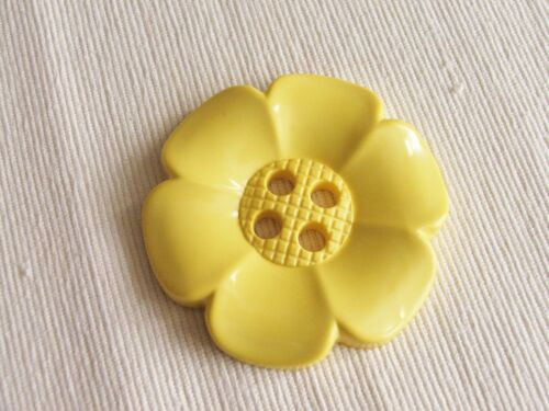 1 x Extra large 62mm jumbo acrylic flower button ~ in choice of colours
