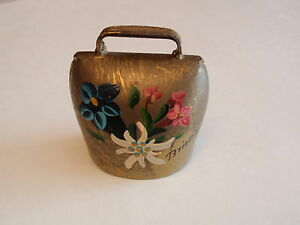 Vintage-Brass-Cowbell-Hand-Painted-Flowers-Brienz-Switzerland-Loud-Bell-Ring