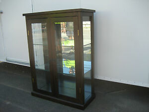 CLOSING-DOWN-SALE-OAK-TIMBER-CHINA-CABINET-1200MM-HIGH