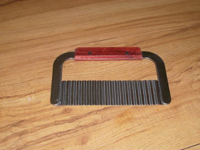 Wavy Soap Cutter Wooden Handle Well Made Krinkle Cutter