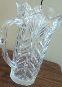 VINTAGE-HEAVY-CRYSTAL-PITCHER-JUG-9-034-TALL