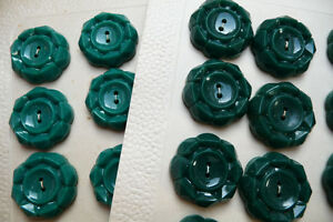 Very-Pretty-Vintage-Buttons-2-2cm-24-on-Card-Choice-of-colours