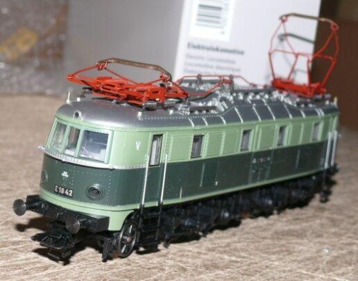 S8 Märklin 39681 e Lok BR 18 42 BBÖ