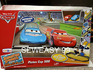 Disney-Pixar-Cars-Piston-Cup-500-Motorized-Racing-track-with-King-and-McQueen