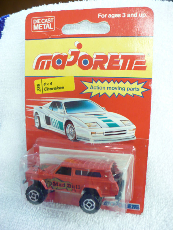 DT-Majorette 4 x 4 CHEROKEE MAD BULL  (made in France)  marque de luxe