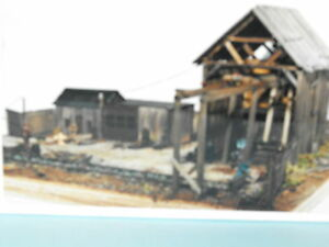 ward's salvage N SCALE BY JV MODELS #1022