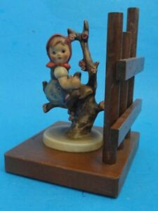 HUMMEL-GOEBEL-252-A-APPLE-TREE-GIRL-WITH-BASE-AND-FENCE-TMK-3-BOOKEND