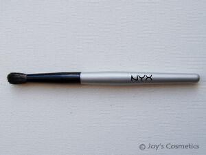 1-NYX-Professional-Brush-034-B12-Crease-034-Joy-039-s-cosmetics