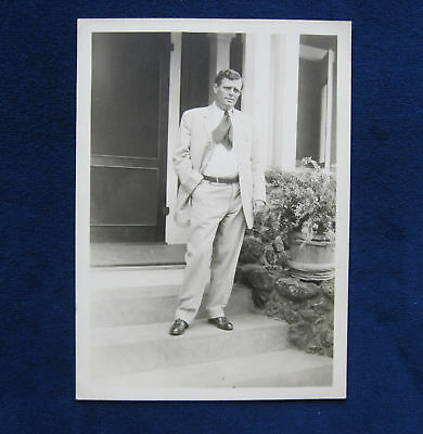 ORIGINAL B&W PHOTO OF JACK LONDON IN HAWAII