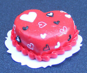 1-12-Heart-Cake-With-Red-Icing-Dolls-House-Miniature-Kitchen-Accessory-NC67a