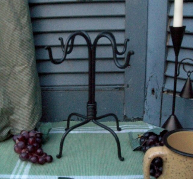 4 Hook Coffee Cup Mug Tree Stand Holder / Rack - Black Wrought Iron