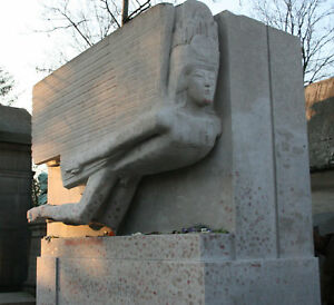 Oscar-Wilde-Jim-Morrison-Maria-Callas-famous-graves-tomb-headstone-photos-Paris