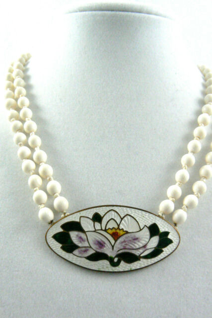 Vintage Two strand white Beads Enamel Cloisonne water Lily necklace Special