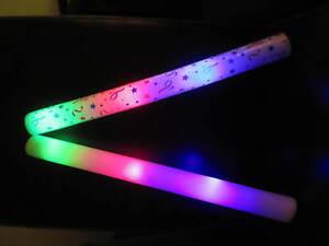 1-x-LED-FLASHING-FOAM-STICK-BATON-WAND-FESTIVAL-LIGHTSTICK-GLOWSTICK-FREE-P-amp-P