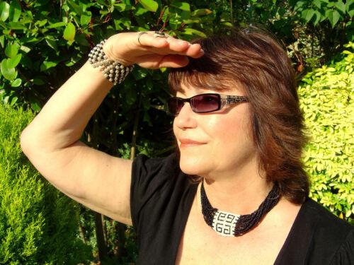 MENS DESIGNER /'BIFOCAL/' SUNGLASSES// SUN READERS  ETCHED ARM DETAIL !