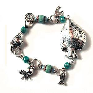 Braccialetto-ACQUARIO-perle-di-carta-handmade-e-charms-tema-mare
