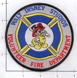 California-Walt-Disney-Studios-Volunteer-Fire-Dept-Patch-Mickey-Mouse