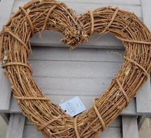 Gisela-Graham-Shaker-Style-Heart-Wreath-Rustic-Home-Wedding-Accessory-Gift-Idea