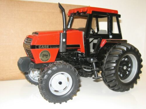116 CASE IH 3294 MFWD COLLECTOR NIB free shipping